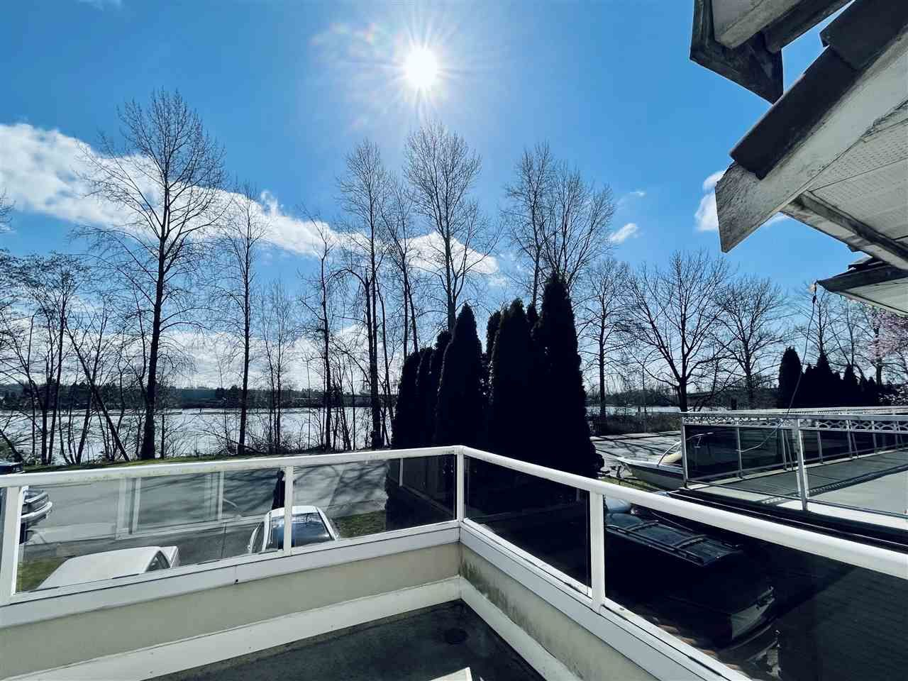 Main Photo: 1363 SOUTH DYKE Road in New Westminster: Queensborough House for sale : MLS®# R2552145