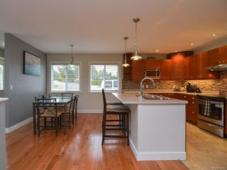 Photo 12: 2203 E 6th St in COURTENAY: CV Courtenay East House for sale (Comox Valley)  : MLS®# 773285