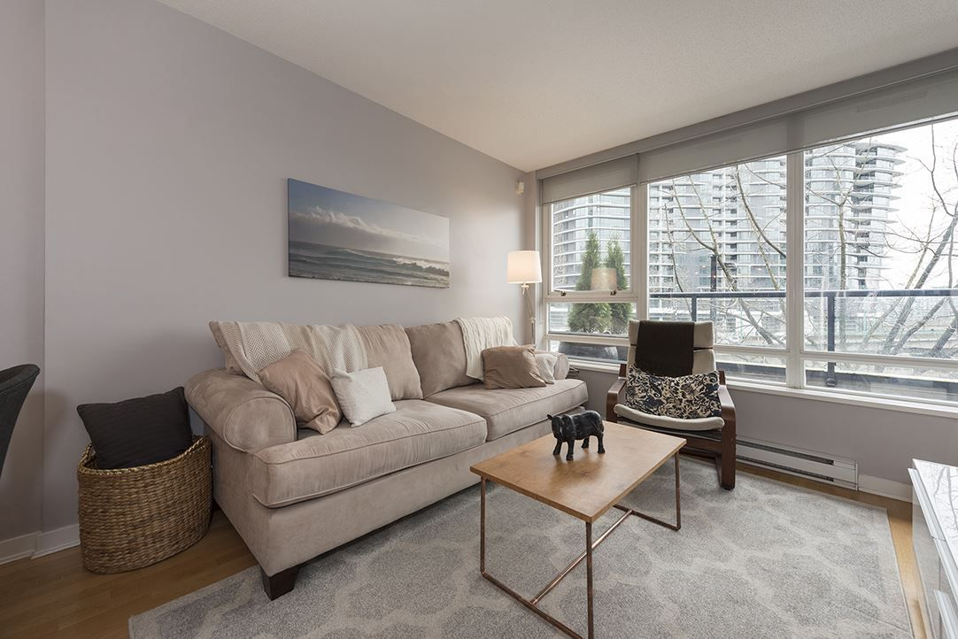 """Main Photo: 303 939 EXPO Boulevard in Vancouver: Yaletown Condo for sale in """"The MAX II"""" (Vancouver West)  : MLS®# R2148534"""