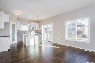 Photo 7: 398 Hassard Close in Saskatoon: Kensington Residential for sale : MLS®# SK760744