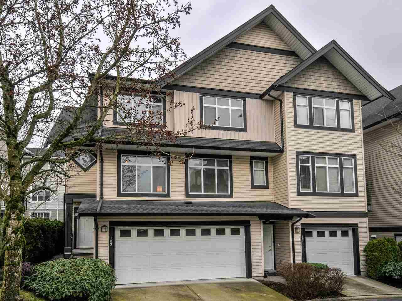 "Main Photo: 102 19932 70 Avenue in Langley: Willoughby Heights Townhouse for sale in ""SUMMERWOOD"" : MLS®# R2335407"