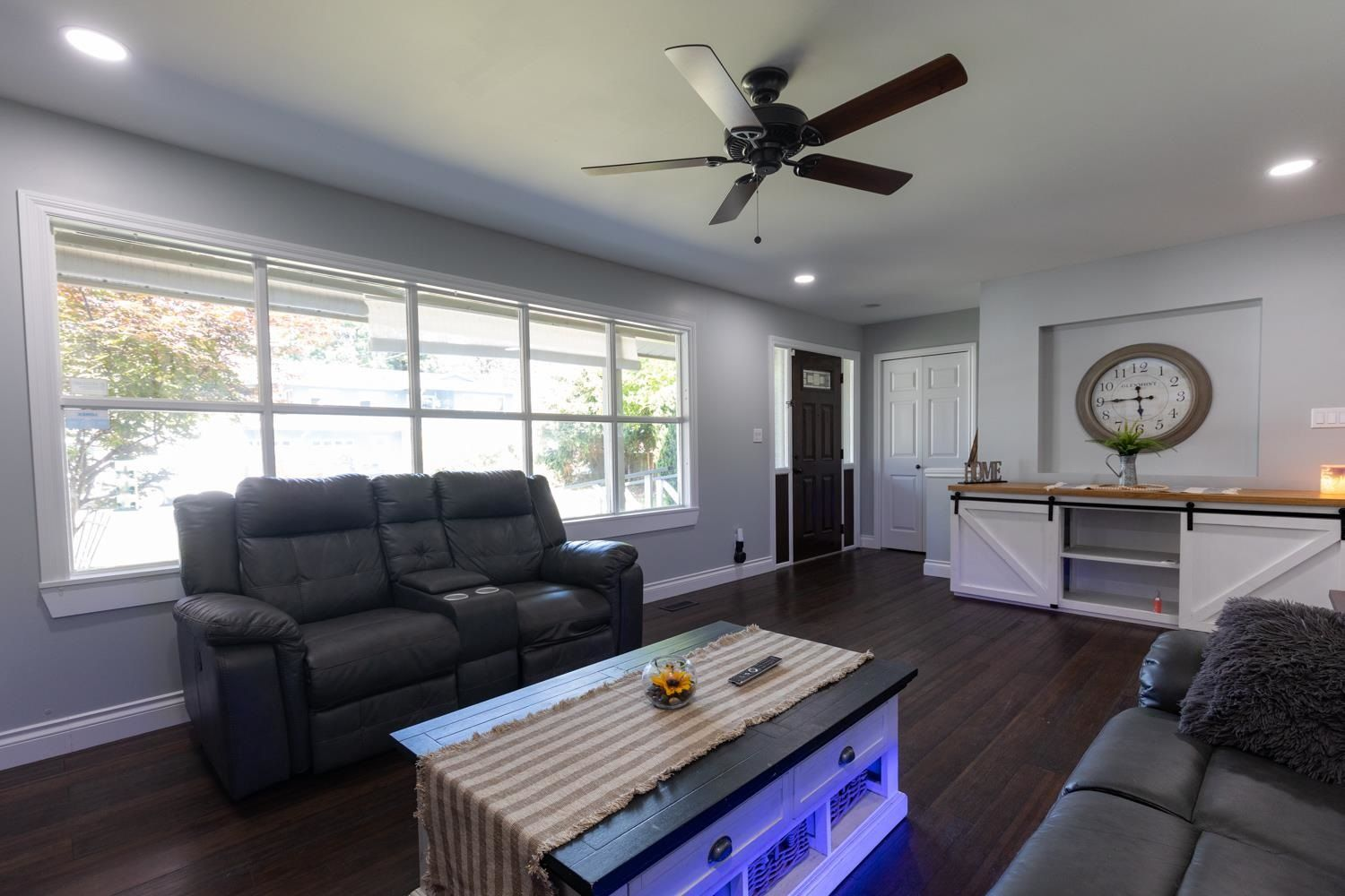 Photo 3: Photos: 2246 BEDFORD Place in Abbotsford: Abbotsford West House for sale : MLS®# R2602902