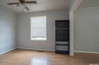 Photo 7: 401 Vancouver Avenue South in Saskatoon: Meadowgreen Residential for sale : MLS®# SK870844