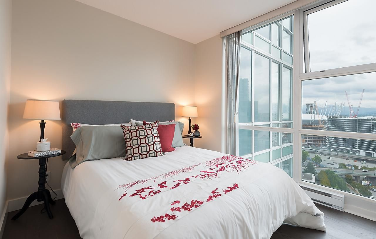 "Photo 19: Photos: 2508 193 AQUARIUS Mews in Vancouver: Yaletown Condo for sale in ""MARINASIDE RESORT RESIDENCES"" (Vancouver West)  : MLS®# R2106066"