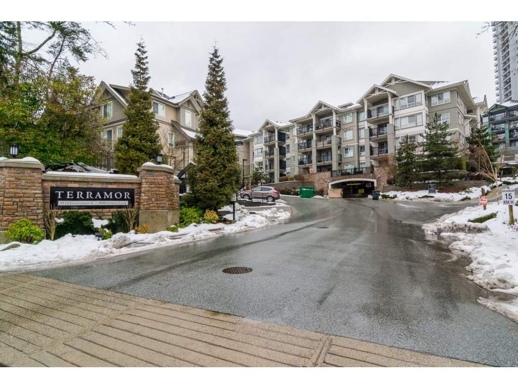 Main Photo: 108 9233 GOVERNMENT STREET in Burnaby: Government Road Condo for sale (Burnaby North)  : MLS®# R2136927