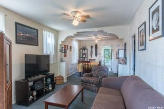Photo 3: 117 J Avenue South in Saskatoon: Pleasant Hill Residential for sale : MLS®# SK850244