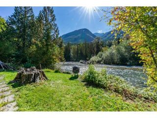 "Photo 6: 49032 SHELDON Road in Chilliwack: Chilliwack River Valley House for sale in ""Bell Acres"" (Sardis)  : MLS®# R2556120"