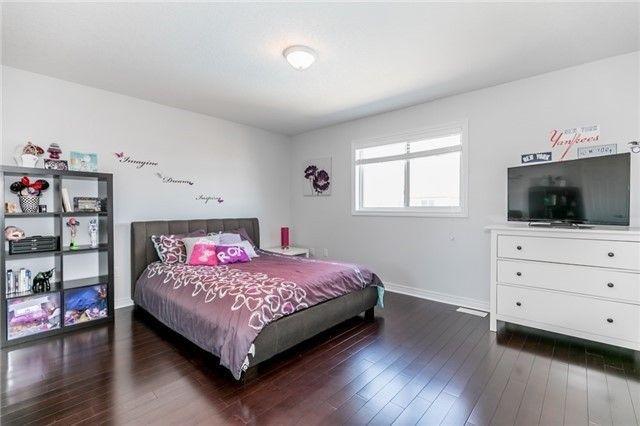 Photo 9: Photos: 54 Stevenson Street in Essa: Angus House (2-Storey) for sale : MLS®# N4240310