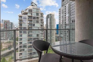 """Photo 11: 2307 583 BEACH Crescent in Vancouver: Yaletown Condo for sale in """"2 PARK WEST"""" (Vancouver West)  : MLS®# R2574813"""