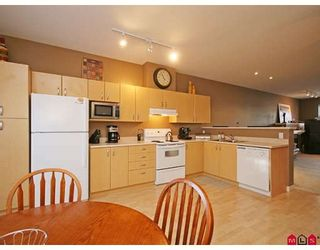 """Photo 5: 33 18828 69TH Avenue in Surrey: Clayton Townhouse for sale in """"STARPOINT"""" (Cloverdale)  : MLS®# F2901097"""