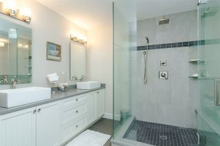 """Photo 24: 11 15563 MARINE Drive: White Rock Condo for sale in """"Oceanview Terrace"""" (South Surrey White Rock)  : MLS®# R2513794"""