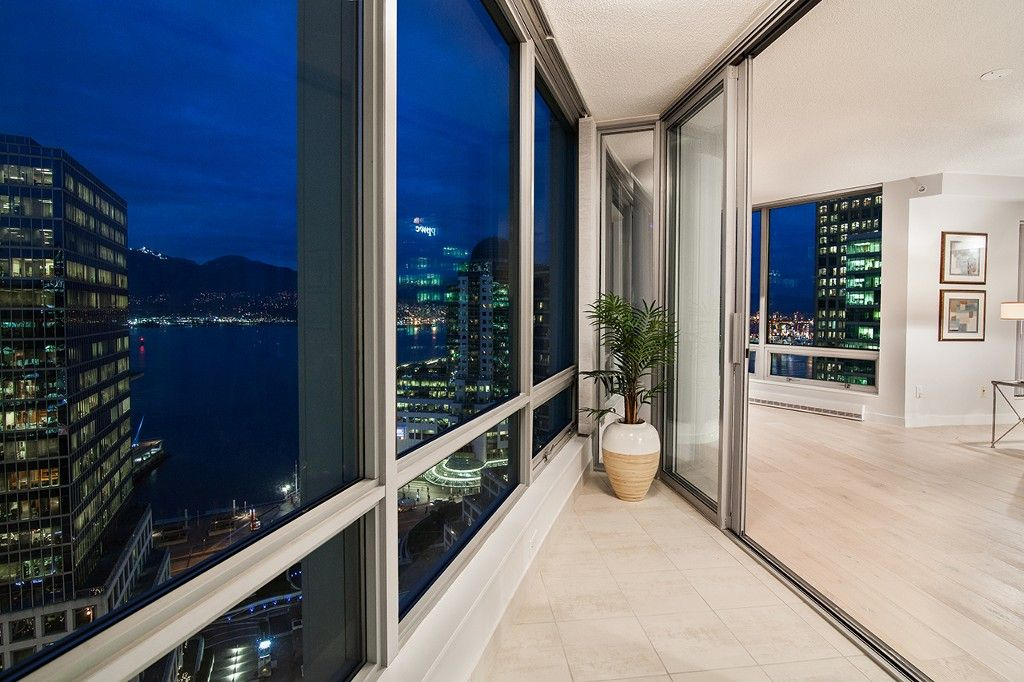 """Photo 9: Photos: 1901 837 W HASTINGS Street in Vancouver: Downtown VW Condo for sale in """"TERMINAL CITY CLUB"""" (Vancouver West)  : MLS®# R2134243"""
