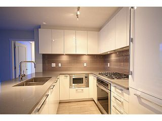 """Photo 6: 2207 6658 DOW Avenue in Burnaby: Metrotown Condo for sale in """"MODA"""" (Burnaby South)  : MLS®# V1101566"""