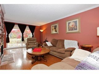 """Photo 2: 2 9988 149TH Street in Surrey: Guildford Townhouse for sale in """"Tall Timbers"""" (North Surrey)  : MLS®# F1426430"""