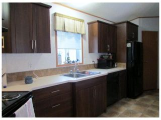 """Photo 3: 8611 79A Street in Fort St. John: Fort St. John - City SE Manufactured Home for sale in """"WINFIELD ESTATES"""" (Fort St. John (Zone 60))  : MLS®# N241138"""