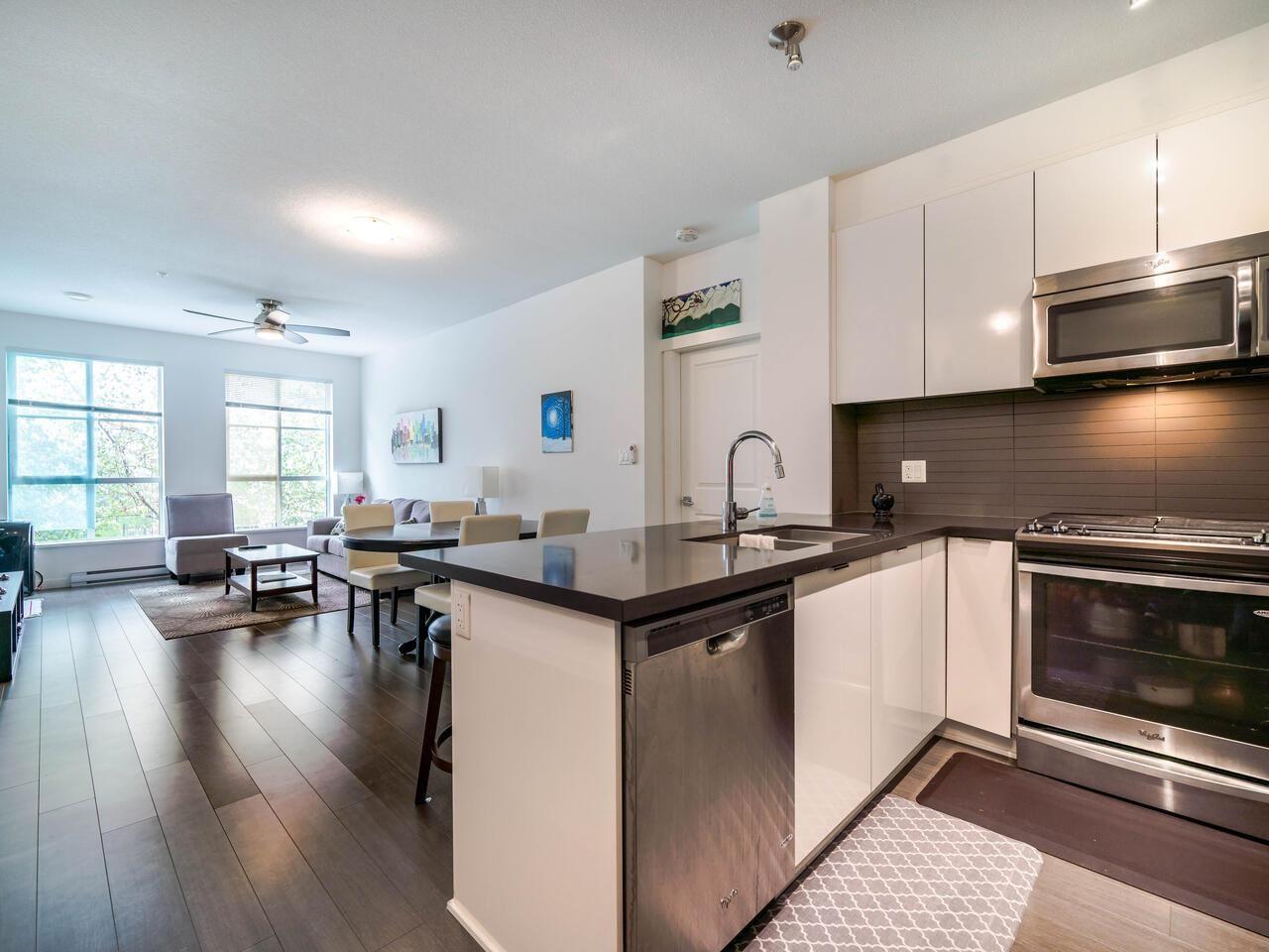 """Photo 4: Photos: 211 15168 33 Avenue in Surrey: Morgan Creek Condo for sale in """"ELGIN HOUSE"""" (South Surrey White Rock)  : MLS®# R2501383"""