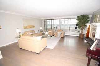 """Photo 4: 1701 320 ROYAL Avenue in New Westminster: Downtown NW Condo for sale in """"THE PEPPER TREE"""" : MLS®# R2196193"""