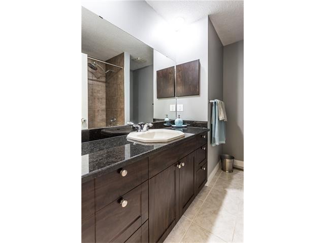 Photo 22: Photos: 36 OAKBURY Place SW in Calgary: Oakridge House for sale : MLS®# C4101941