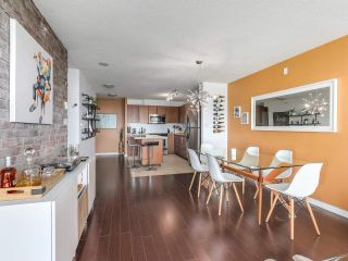 """Photo 3: 404 2138 MADISON Avenue in Burnaby: Brentwood Park Condo for sale in """"MOSAIC / RENAISSANCE"""" (Burnaby North)  : MLS®# R2212688"""