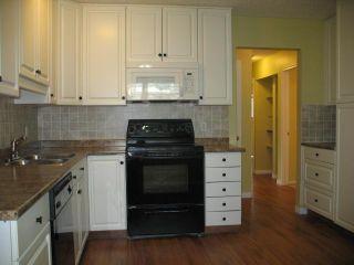 Photo 2: 1751 66 Avenue SE in CALGARY: Lynnwood_Riverglen Residential Detached Single Family for sale (Calgary)  : MLS®# C3580190