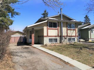 Photo 2: 911 Whitehill Way NE in Calgary: Whitehorn Detached for sale : MLS®# A1118119
