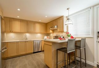 Photo 3: 2383 Cypress Street in Vancouver: Townhouse  : MLS®# R2066659