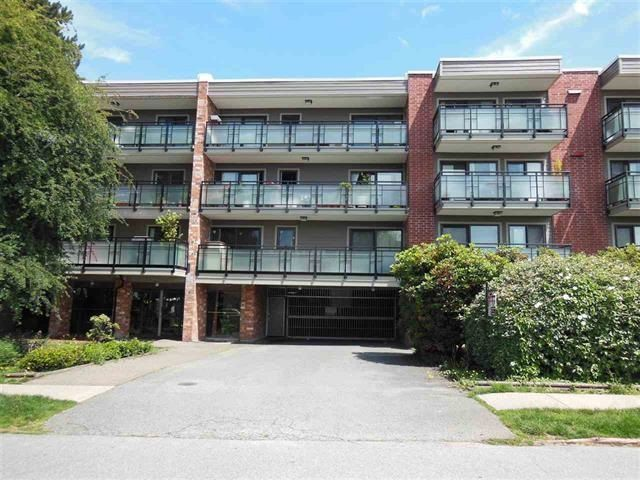 "Photo 10: Photos: 312 360 E 2ND Street in North Vancouver: Lower Lonsdale Condo for sale in ""EMERALD MANOR"" : MLS®# R2135102"