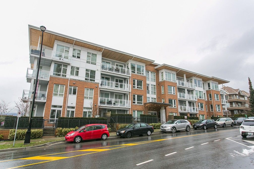 Main Photo: 307 717 Chesterfield Avenue in North Vancouver: Central Lonsdale Condo for sale : MLS®# R2138439