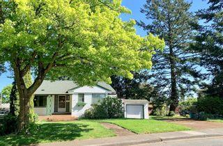 Photo 1: 3065 Balfour Ave in Victoria: Vi Burnside House for sale : MLS®# 876855