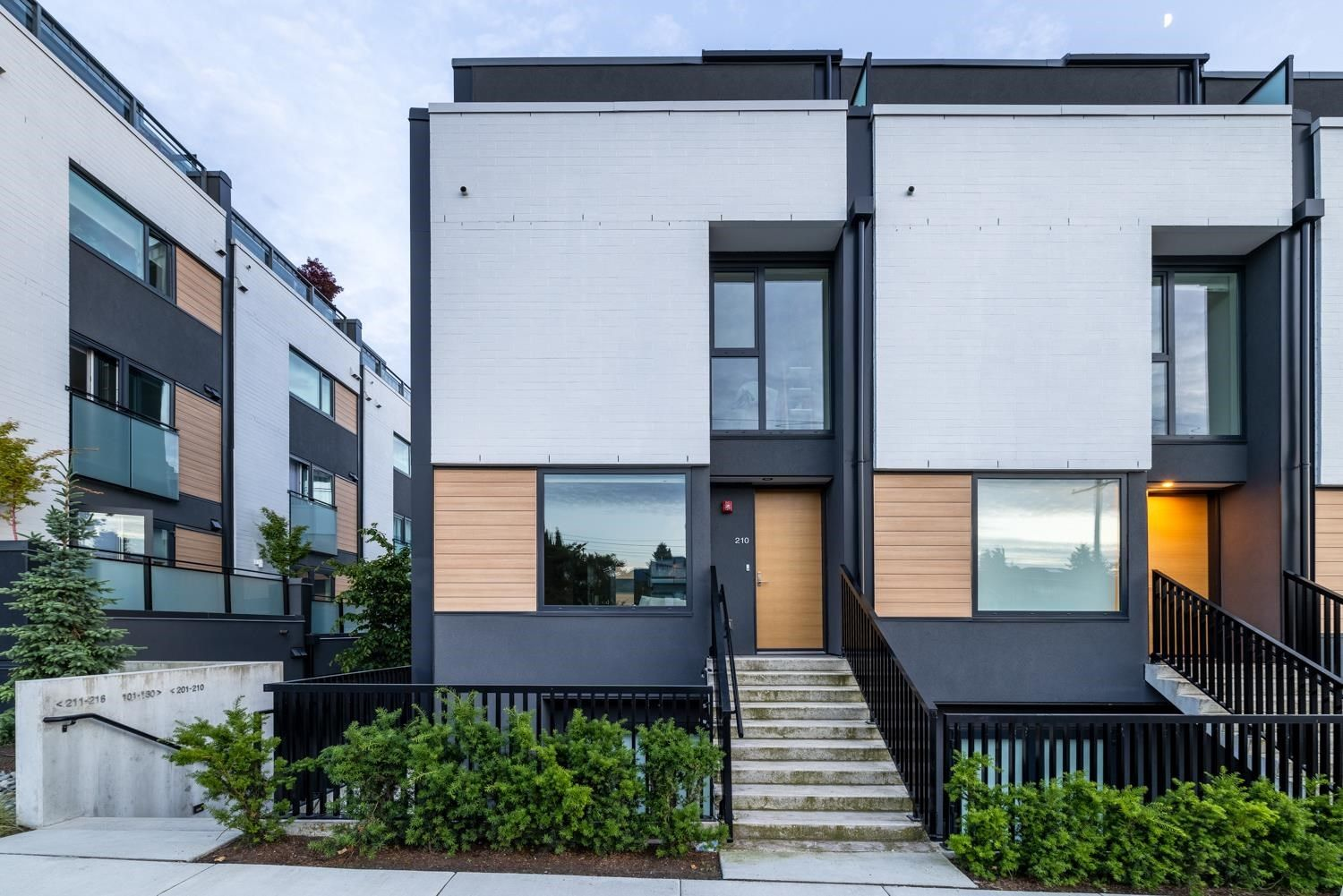Main Photo: #210 - 649 E.3rd St, in North Vancouver: Lower Lonsdale Townhouse for sale : MLS®# R2592959