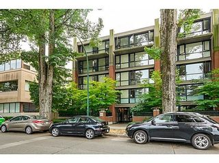 Photo 2: 305 2036 10TH Ave W: Kitsilano Home for sale ()  : MLS®# V1079630
