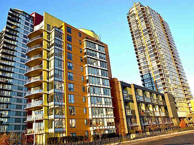 FEATURED LISTING: 2005 - 33 SMITHE Street Vancouver