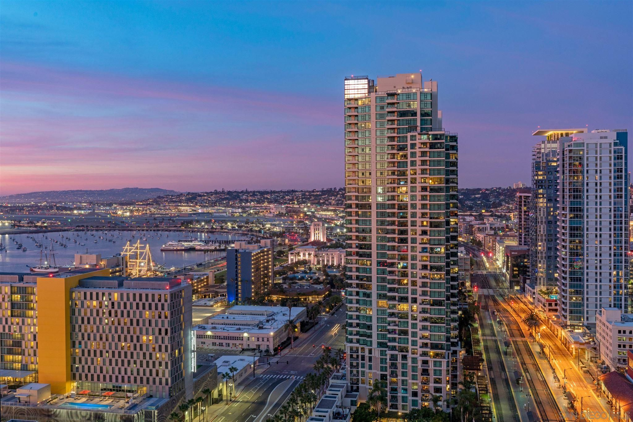 Main Photo: Condo for sale : 2 bedrooms : 888 W E Street #2705 in San Diego