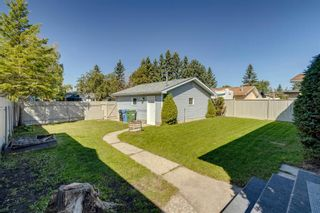 Photo 4: 40 Rundlewood Bay NE in Calgary: Rundle Detached for sale : MLS®# A1141150