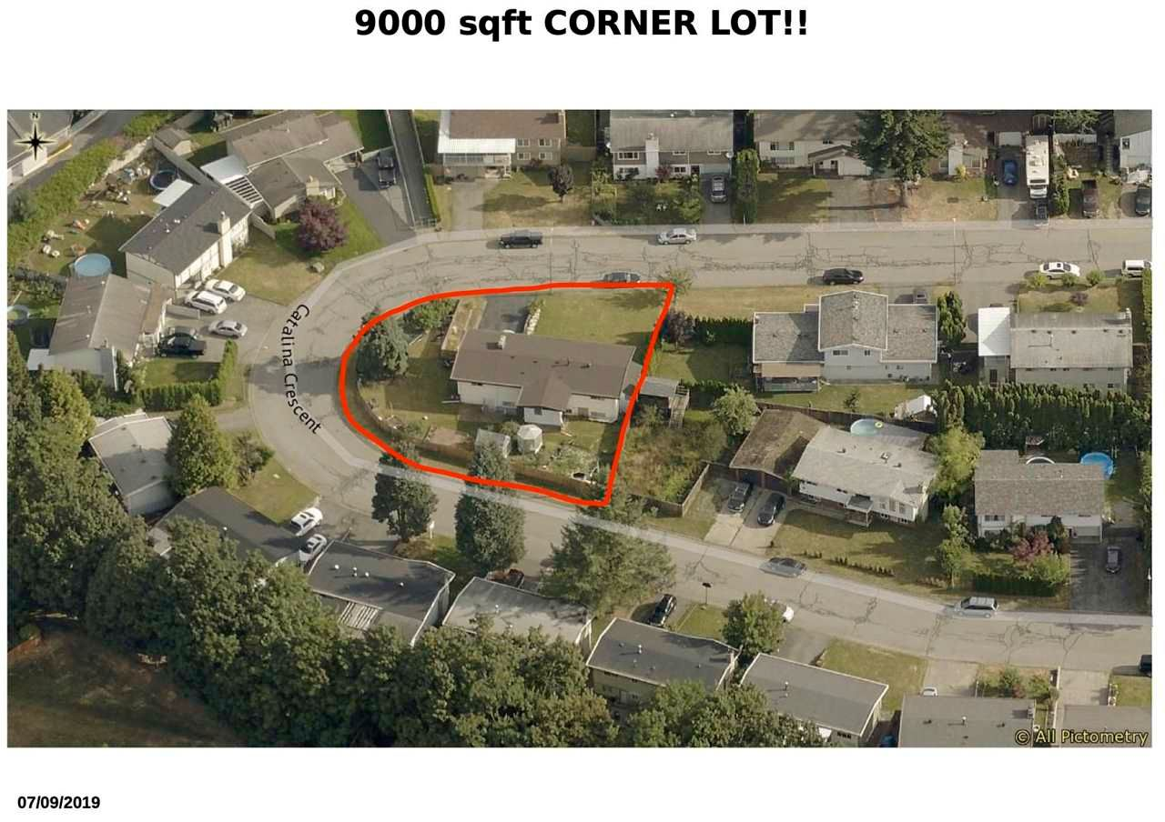 Main Photo: 1955 CATALINA Crescent in Abbotsford: Central Abbotsford House for sale : MLS®# R2569371