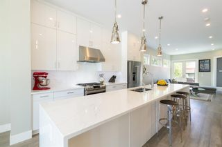 Photo 9: 1635 23 Avenue NW in Calgary: Capitol Hill Detached for sale : MLS®# A1117100