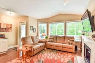 """Photo 9: 4 6488 168 Street in Surrey: Cloverdale BC Townhouse for sale in """"TURNBERRY"""" (Cloverdale)  : MLS®# R2298563"""