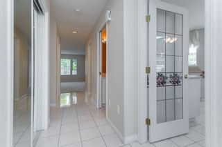 """Photo 5: 133 15550 26 Avenue in Surrey: King George Corridor Townhouse for sale in """"Sunnyside Gate"""" (South Surrey White Rock)  : MLS®# R2400272"""