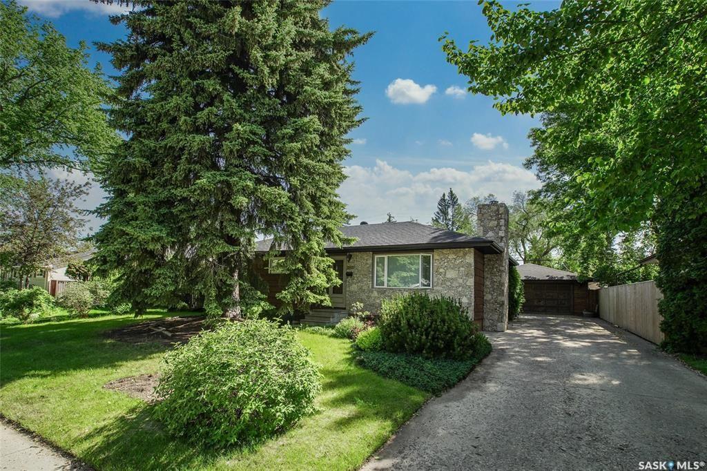 Main Photo: 2411 Underwood Avenue in Saskatoon: Avalon Residential for sale : MLS®# SK859873