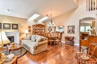 """Photo 2: 4 6488 168 Street in Surrey: Cloverdale BC Townhouse for sale in """"TURNBERRY"""" (Cloverdale)  : MLS®# R2298563"""