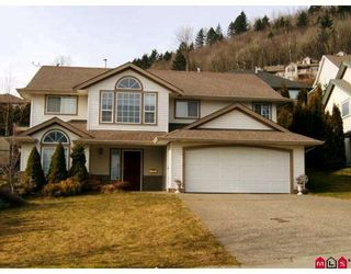 """Photo 1: 36181 CASSANDRA Drive in Abbotsford: Abbotsford East House for sale in """"Carrington Estates"""" : MLS®# F2805183"""