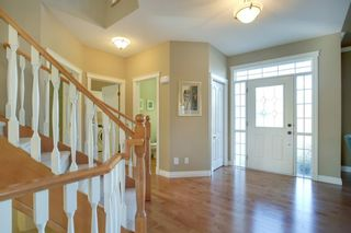 Photo 4: 4 Simcoe Close SW in Calgary: Signal Hill Detached for sale : MLS®# A1038426