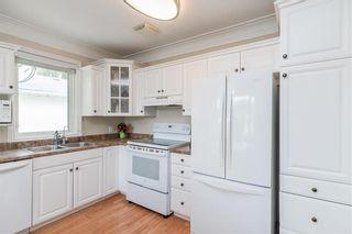 Photo 4: 212 Hindley Avenue in Winnipeg: St Vital Residential for sale (2D)  : MLS®# 202112857
