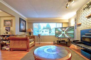 Photo 3: 6968 Bison Place in Delta: Sunshine Hills Woods House for sale (N. Delta)  : MLS®# R2329632