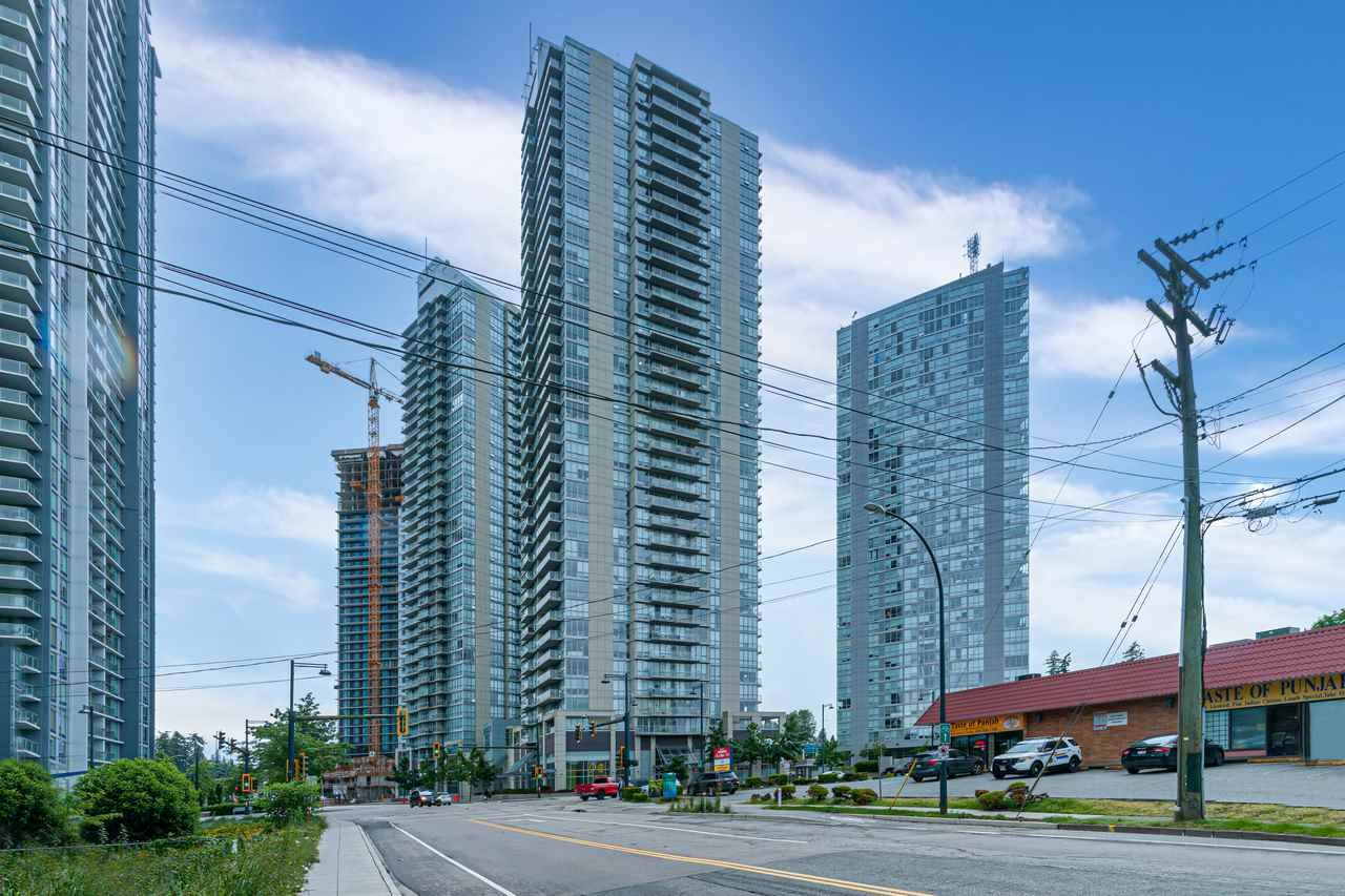 """Main Photo: 601 13688 100 Avenue in Surrey: Whalley Condo for sale in """"ONE PARK PLACE"""" (North Surrey)  : MLS®# R2465164"""