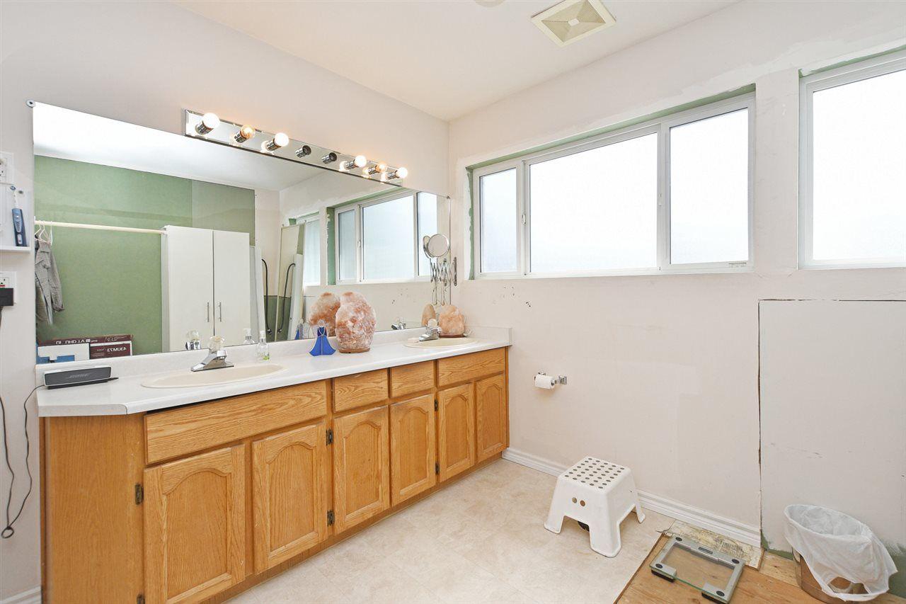 Main Photo: 20735 115 Avenue in Maple Ridge: Southwest Maple Ridge House for sale : MLS®# R2391164