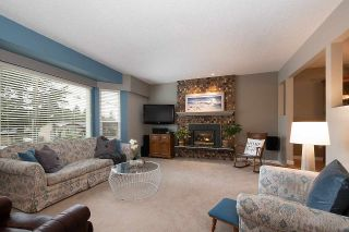 Photo 2: 11717 81A AVENUE in Delta: Scottsdale House for sale (N. Delta)  : MLS®# R2447583