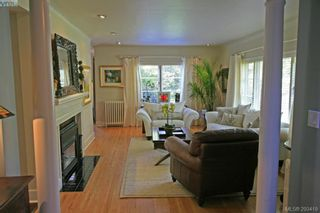 Photo 2: 3035 Lansdowne Rd in VICTORIA: OB Uplands House for sale (Oak Bay)  : MLS®# 571773