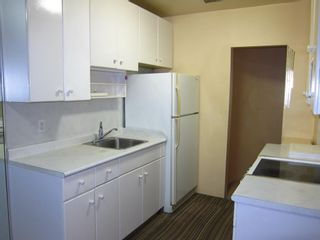 """Photo 11: 208 1565 BURNABY Street in Vancouver: West End VW Condo for sale in """"Seacrest Apartments"""" (Vancouver West)  : MLS®# R2437504"""