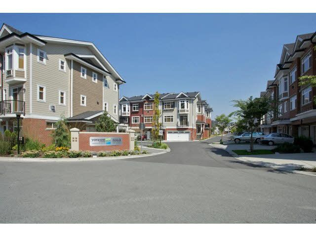 """Main Photo: 85 8068 207TH Street in Langley: Willoughby Heights Townhouse for sale in """"YORKSON CREEK SOUTH"""" : MLS®# F1449437"""